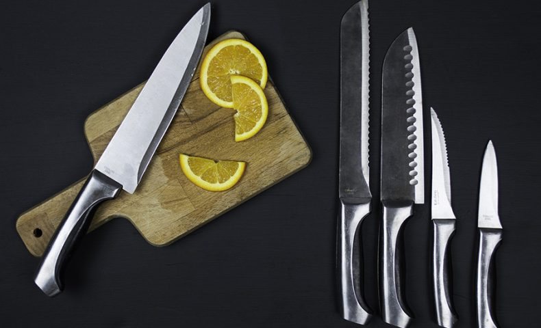 Understanding Single and Double Bevel Knives